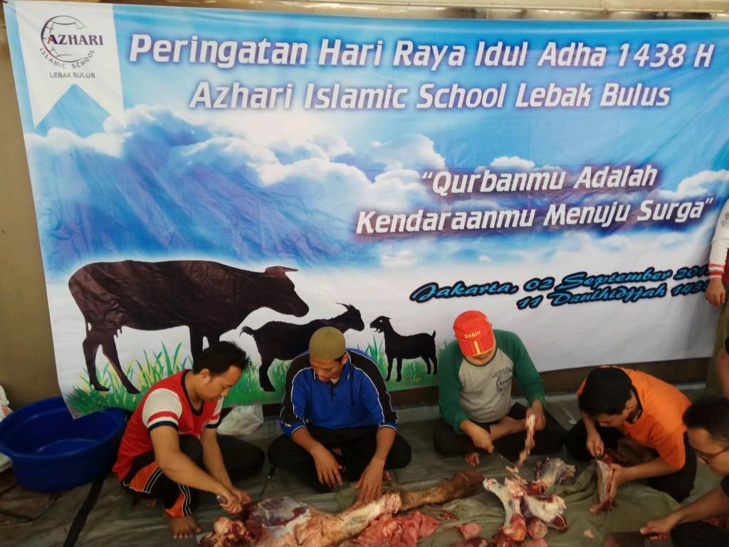 Prosesi Pencacahan Daging Qurban.